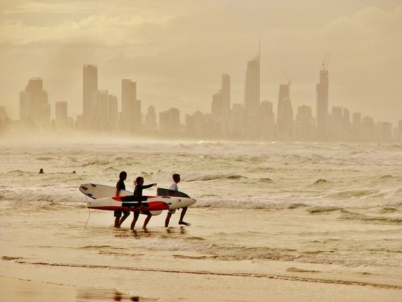 gold coast surfers